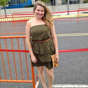 Green strapless ruffled dress 👗